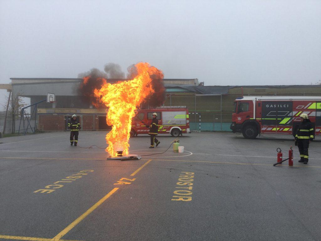 Mesec požarne varnosti in vaja evakuacije
